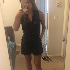 Urban Outfitters romper — size small— great cond.